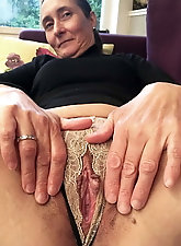 Remarkable older tarts are getting pleasure on pix