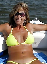 Hotwives, Matures, and MILFs (118)